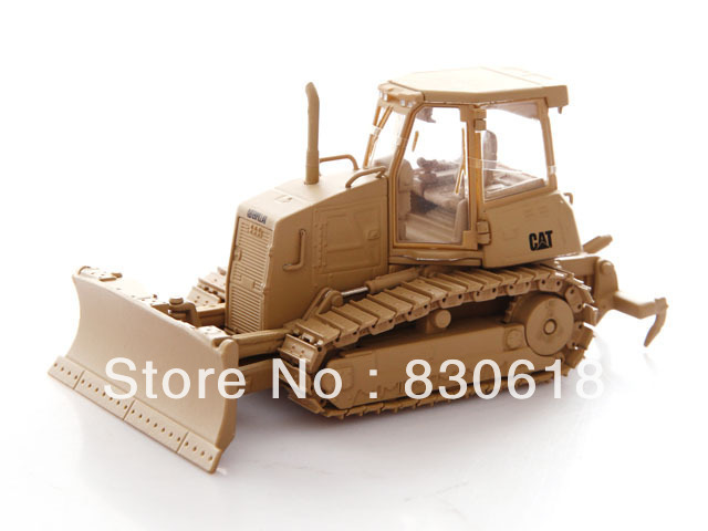 Norscot 55253 1/50 CAT Military D6K Track-Type Tractor toy(China (Mainland))