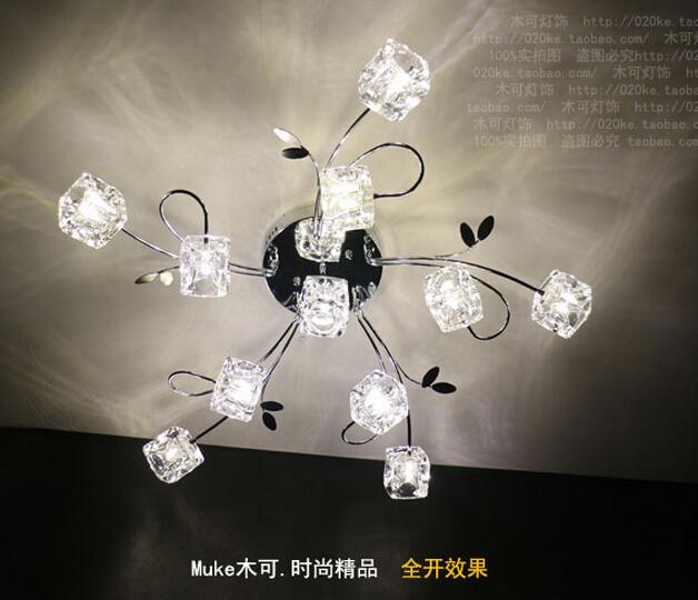 http://g01.a.alicdn.com/kf/HTB1jS1OHVXXXXbqXVXXq6xXFXXX5/New-modern-11-luci-cubo-di-cristallo-del-soffitto-lampada-di-illuminazione-della-novit%C3%A0-infissi-lampadario.jpg