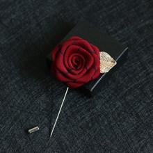 Di modo Del Fiore della Rosa Smoking del Vestito Corpetto Spilla Spille Collare Spilli Boutonniere di Cerimonia Nuziale Del Partito Delle Donne Degli Uomini Spille Spille Scatola di Imballaggio(China)