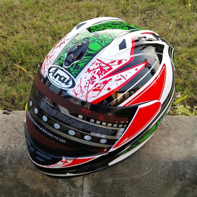 Nova chegada Valentino Rossi motocicleta capacete MOTO Kart de corrida de capacete homens motociclistas capacete de M / L / XL /(China (Mainland))