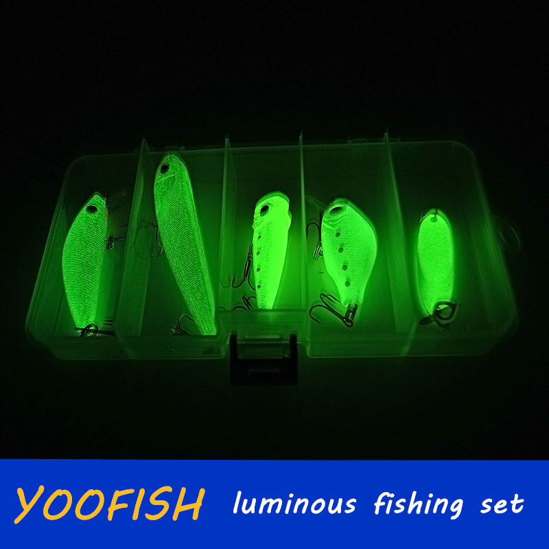 wholesale store winter fishing lures minnow popper crank bait metal sequins hook jig wobblers lure ice fishing tackle bait suit(China (Mainland))