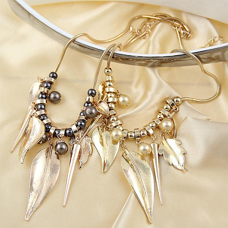 product Necklace female brief paragraph 2015 new electricity wholesale gold-plated necklace leaves small adorn article