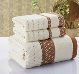 Free shipping, new 2015 three-piece bath towel towel mix, 100% cotton, three color options, plaid jacquard beach towel(China (Mainland))
