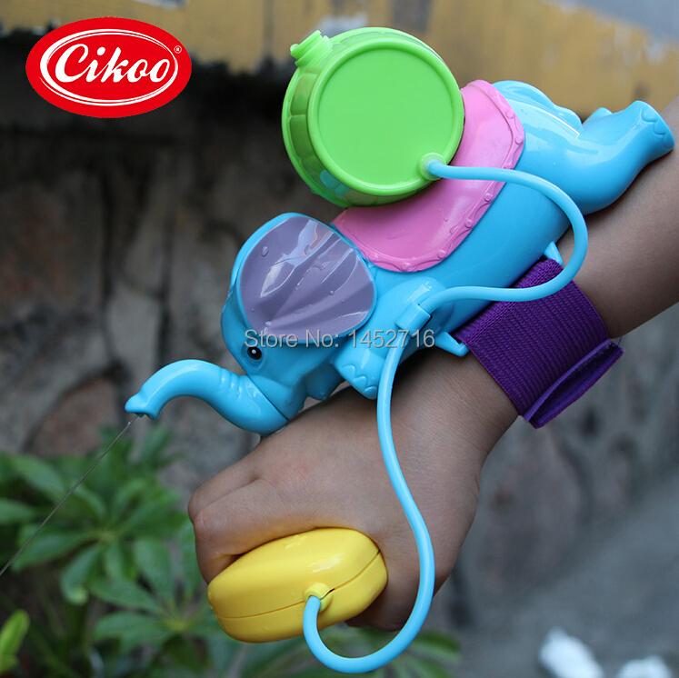 Cute Elephant Shape Air Pressure Water Gun toys Portable Lightweight water spraying toys Wrist water sprinkler children toys(China (Mainland))