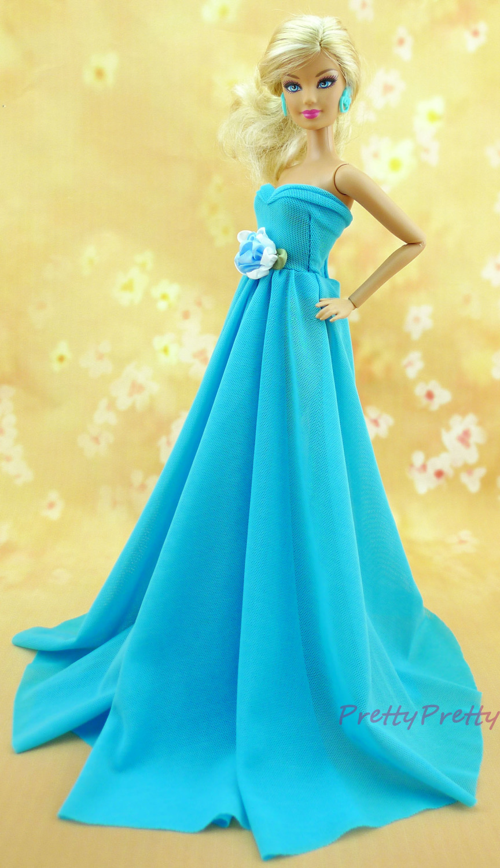 Barbie in blue dress -...