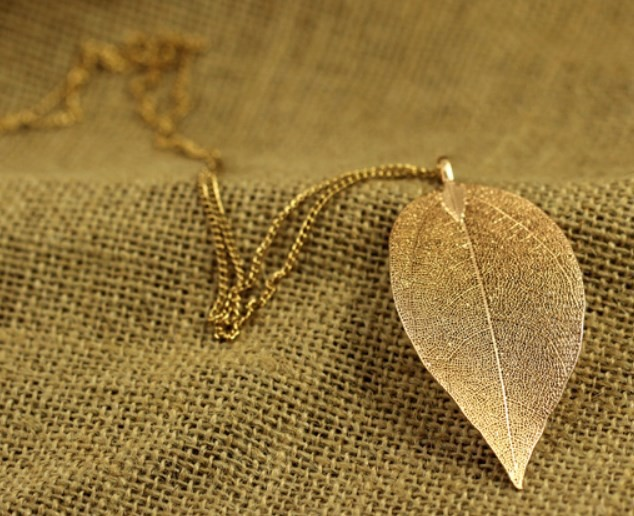 New 2016 Promotion Leaves Necklace Women Ladies 18k Gold Plated Leaf Necklace Charm Pendant Long Necklace(China (Mainland))