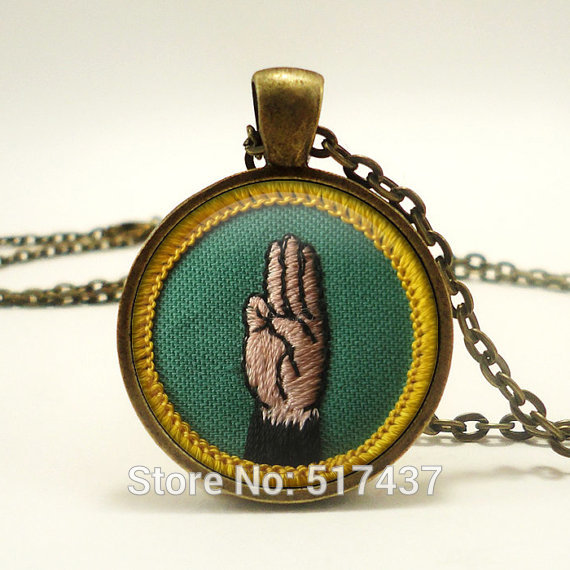 Dome Necklaces Girl Scout Vintage Languages Cadette Merit Badge,Handmade photo glass cabochon Necklace(China (Mainland))