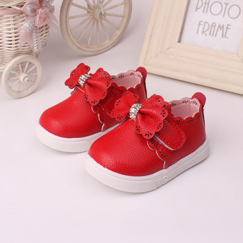 2016 the new hollow out diamond bow female baby leather shoes, fashion antiskid princess baby soft bottom shoes