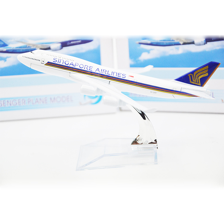 HOT!!! Singapore Airlines A380 Boeing Aircraft Model Airplane Model,16cm Metal Plane Model,children's Toys,Christmas Gift(China (Mainland))