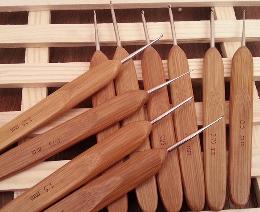 Bamboo Handle Metal Crochet Hooks Needlecrafts Tool 10pcs in 1 Set HB88