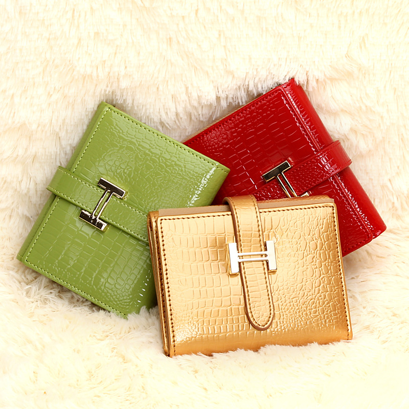Brand ladies short wallets genuine leather crocodile pattern mini purse,card places+photo place+coin pocket+zipper poucht# 80154(China (Mainland))