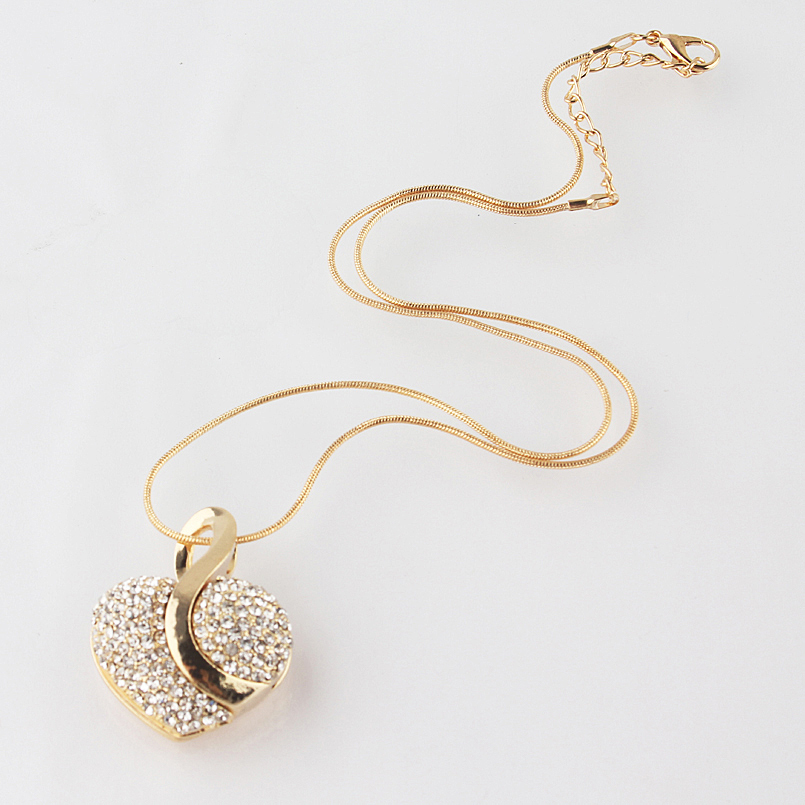 One set Free shipping Women s 18k Gold Plated shine Austrian Crystal heart shape Chain Necklace