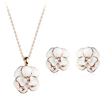 Italian 18K Gold Plated Black/White Epoxy Rose Flower Jewelry Set ! Classic Design Pendant Necklace and Earring Set Wholesale(China (Mainland))