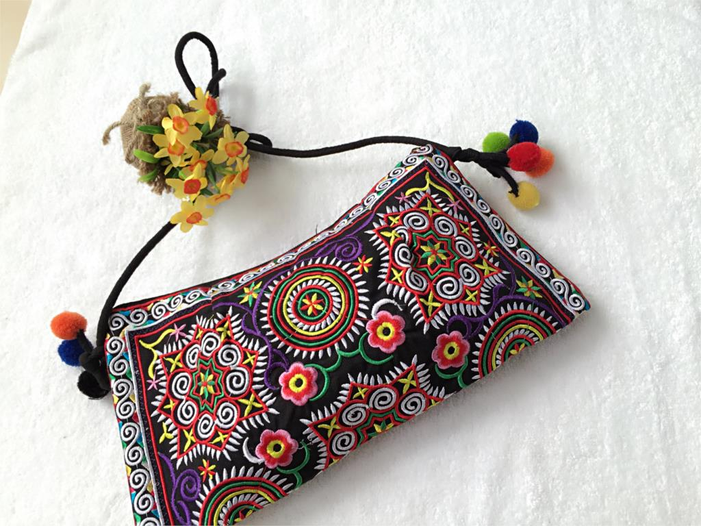 Vintage Thail National embroidery bag Double side embroidered ethnic India pattern shoulder messenger bag small clutch handbag(China (Mainland))