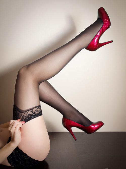 Сексуальный женщины ультратонкий кружево верхний само бедро высокая шёлковые чулки над коленом чулки бедра высокая хлопок чулки A503