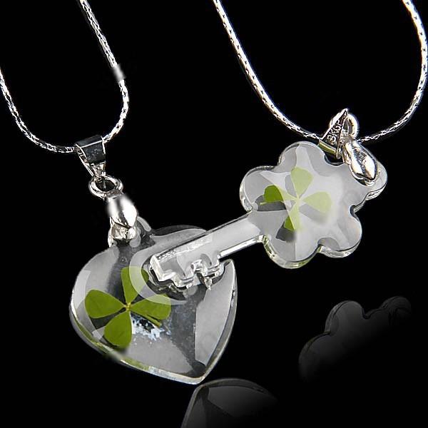 Trébol verdadero de cuatro hojas de la aleación Collares Cadena regalo para las parejas amantes de San Valentín corazón y forma de la llave WNL,32384