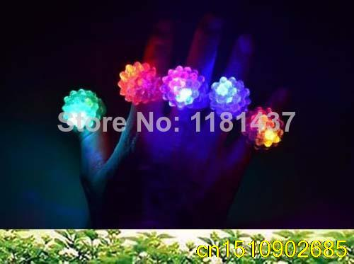 100pcs/lot 2014 new arrival hot sale Soft Flicker flower fashion soft silicone led finger ring for halloween wedding party(China (Mainland))