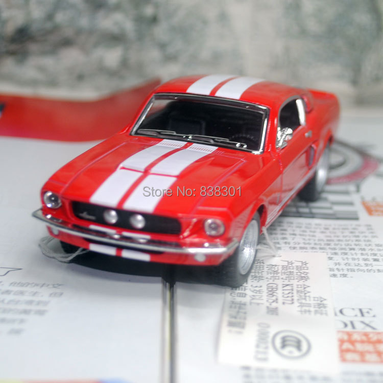 Free Shipping 1/38 Scale Classical Car Model Toys Ford Shelby GT500 (1967) Diecast Metal Pull Back Car Toy For Children/Gift(China (Mainland))