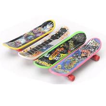 High Quality Creative Novelty Mini Finger Skateboard Fingerboard Hobbies Sports Finger Skate Board Children Gift for Kids Toy(China (Mainland))
