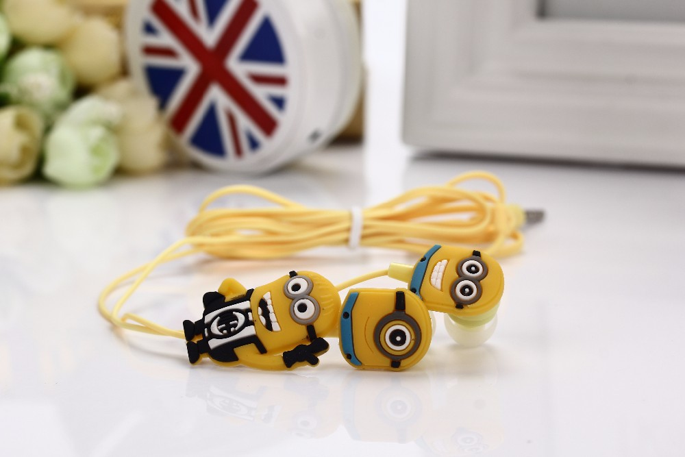 Newest cartoon in-ear wired 3.5mm jack earphone Despicable Me Minions model headset for MP3 MP4 cell phone free shipping