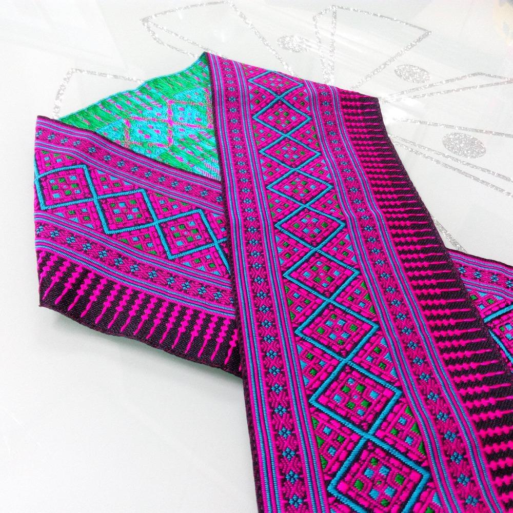 Жаккардовая лента с вышивкой
