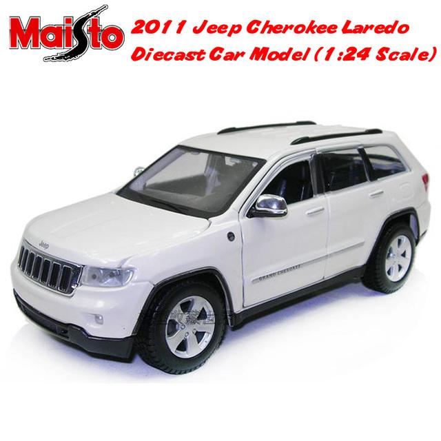 Free Shipping Brand New Maisto 1:24 Scale 2011 Jeep Cherokee Laredo SUV Diecast Metal Car Model In Box