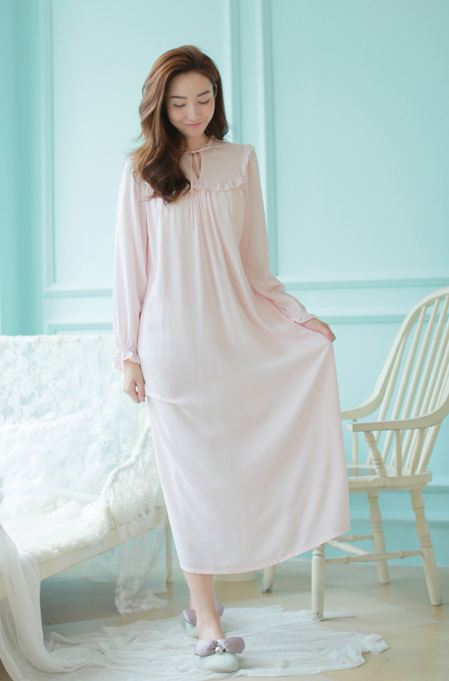 Buy 2016 Princess Nightgown Women 39 S Long Robe White Vintage Pregnant Woman Taking Pictures