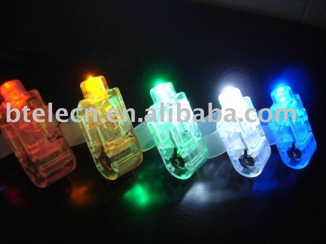 whole sale hot selling flashing finger light,led finger light,finger lamp free gift