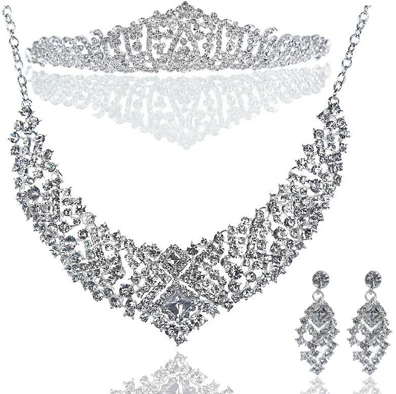 Здесь можно купить  2014 Hot Sale New Diamond Jewelry Three-piece Bride Wedding Accessories The Bride Necklace suit to Marry the Crown  Ювелирные изделия и часы