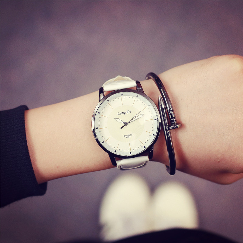 relogio feminino watches Strips Hour Leather Strap Quartz Wrist Watch For Women Men Fashion Sports Watches Luxury Female watch