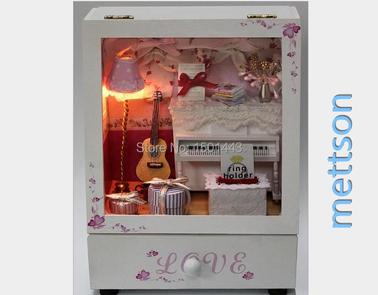 Mettson, My Jewelry Box Dollhouse,The DIY Miniature Doll house with Lights,Piano, Gift for Girls Music Imagination,Age 6+(China (Mainland))