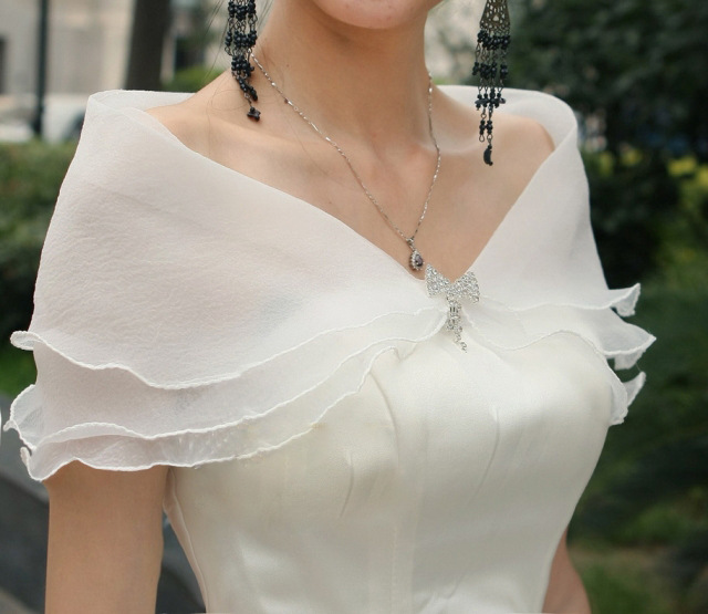 2014 new Women's thin white lace shawls summer shawl Free shipping(China (Mainland))
