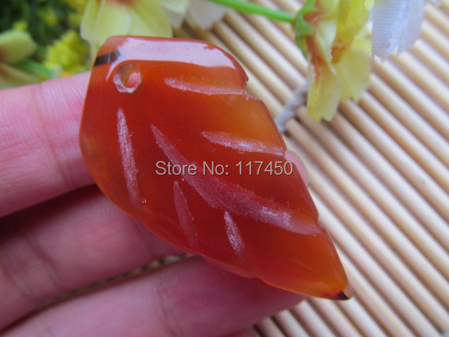 Natural Crystal Stone Red agate Leaves Pendant Mean Male Fashion pendant wholesale price(China (Mainland))