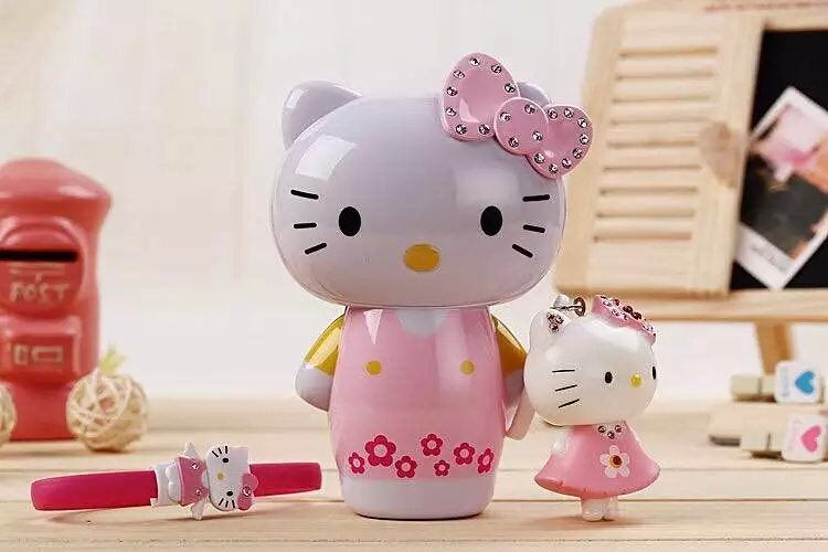 2016 New Hot 6000mAh Doraemon Minions power bank Hello Kitty Portable Charger Battery with LED lamp for all cellphone(China (Mainland))