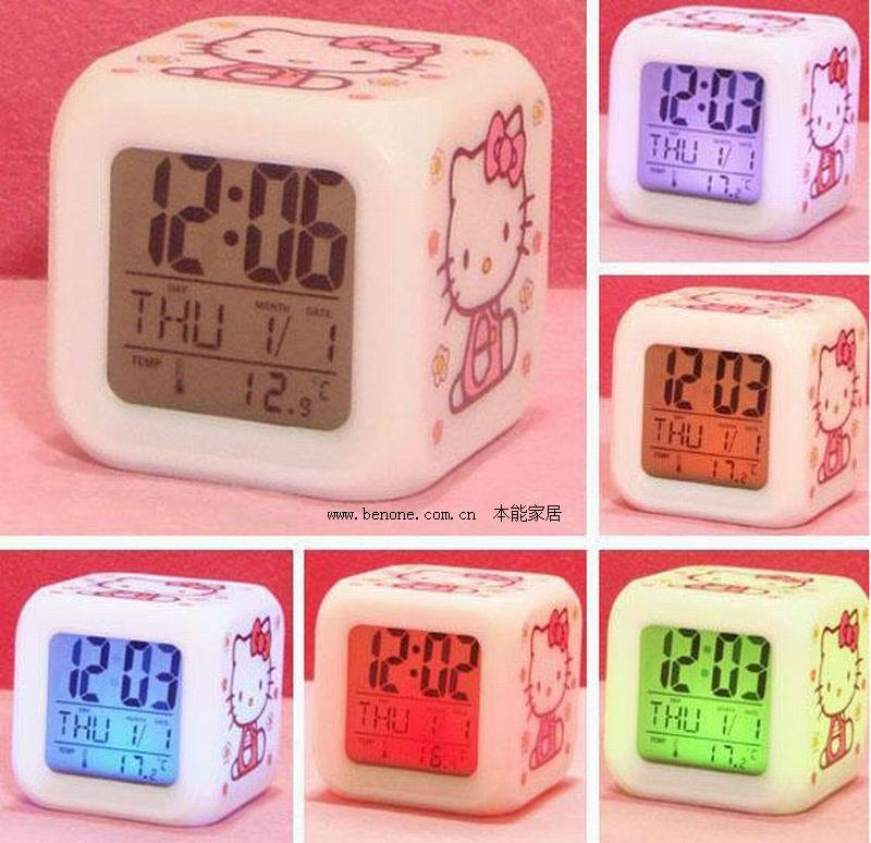 2016 New Arrival 1 Piece Hello Kitty Alarm Clock 7 Colors Changing Led Digital Clock Cute Cartoon Alarm Clock for Kids(China (Mainland))