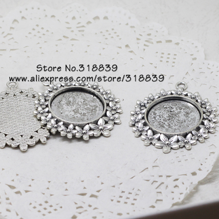 (10 pieces/lot) Antique Silver Metal Alloy Cameo Flower Round 25mm Pendant Cabochon Settings Pendants Blank 7215