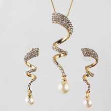 Free shipping Women Jewlery Sets Fashion New Gold Plated Austrian Crystal Necklace Earring Imitation Pearl Wedding Jewelry(China (Mainland))