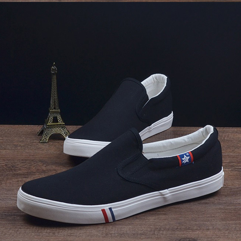 Summer Breathable Men Canvas Shoes Flat Loafers Plus Size Fashion Slip On White/Black Casual Loafers Men Shoes Big Size 46 47 48