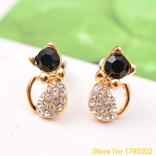 Women's Cute Cat Black and White Crystal Rhinestones Stud Earring Alloy Ear Studs Elegant Jewelry  Free shipping