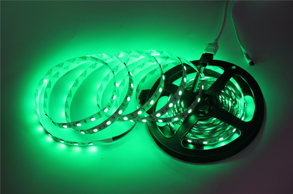5050 RGB LED Strip Non-Waterproof / Waterproof 5M 300 Led Strip Light Fita Led String + 44 Key IR Remote + DC 12V 3A Power Kit