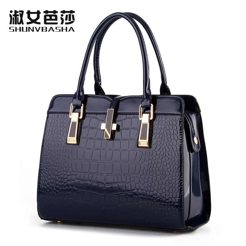 100% Genuine leather Women handbags 2017 new light leather bag female crocodile high-grade shoulder bags of western style bag(China (Mainland))