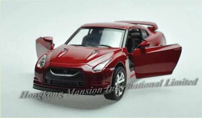 132 Nissan GT-R (4)