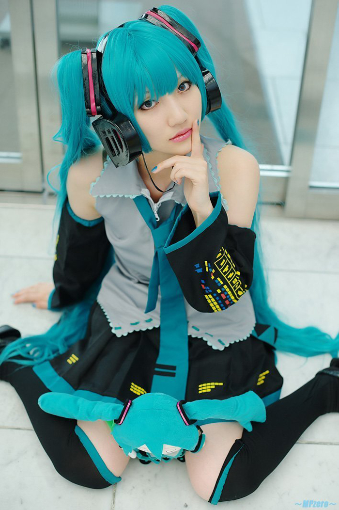 Full Set Vocaloid Cosplay Hatsune Miku Cosplay Costume outfits Anime Cosplay harajuku Costumes(dress+Socking+gauntlets+tie+belt)(China (Mainland))