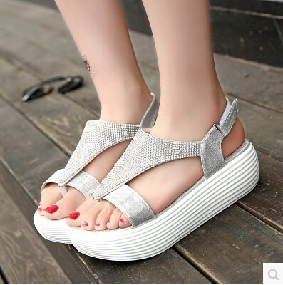 summer sandals shoes with the waterproof bottom thick flat shoes with flat cake students pinch diamond shake shoes(China (Mainland))