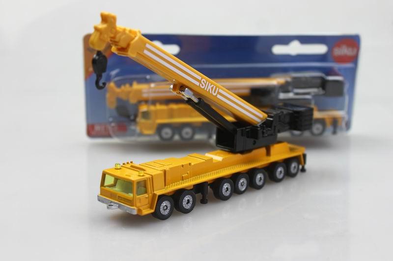 Genuine German official high alloy car models 1:87 SIKU 1623 Heavy cranes telescopic crane boom(China (Mainland))