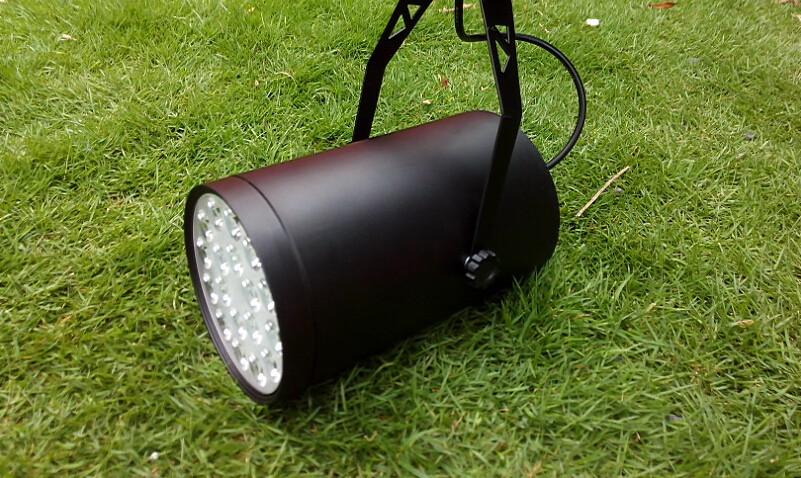 Black White LED Track Lights 18W Wall Ceiling Spot Lighting Lamp AC 85-265V 1800LM Qaulity Bulb for Clothing Store Supermarket(China (Mainland))