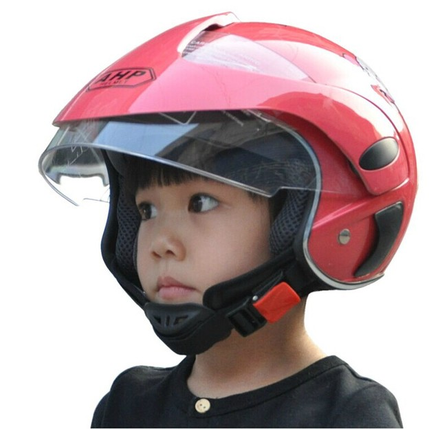 enfants moto thermique casque enfant scooter casque. Black Bedroom Furniture Sets. Home Design Ideas