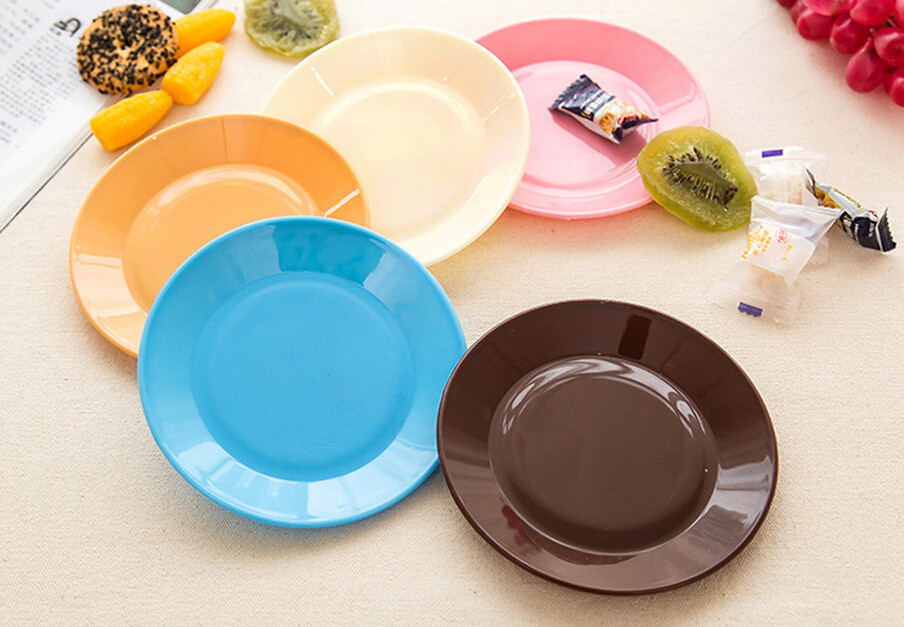 4Pcs/Set Creative Candy colors Tableware flat plate saucer seeds snack food-grade plastic dish(China (Mainland))