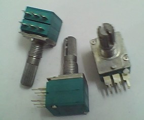 1 PCS precision dual potentiometer A10K shaft 20 mm long(China (Mainland))