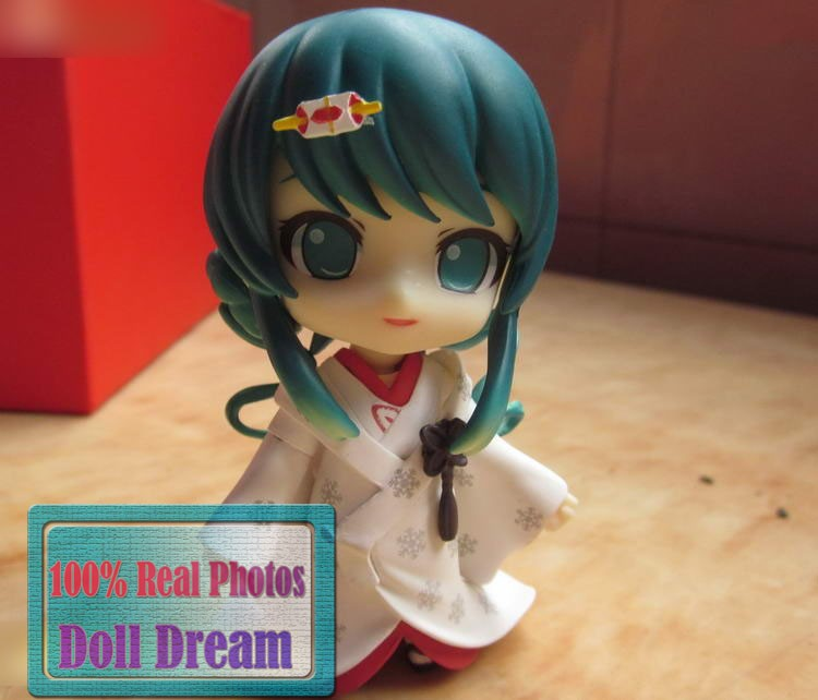 "Cute four"" 10cm Nendoroid VOCALOID Yuki Hatsune Miku Strawberry Ver. PVC Motion Determine Mannequin Assortment Toy Present #303"